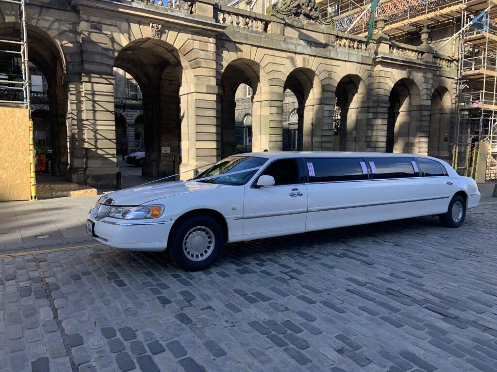 White Lincoln Towncar Limousine